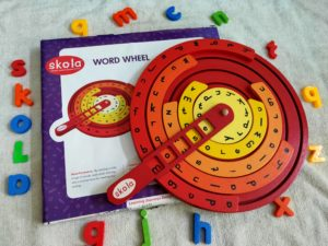 skola wooden toy